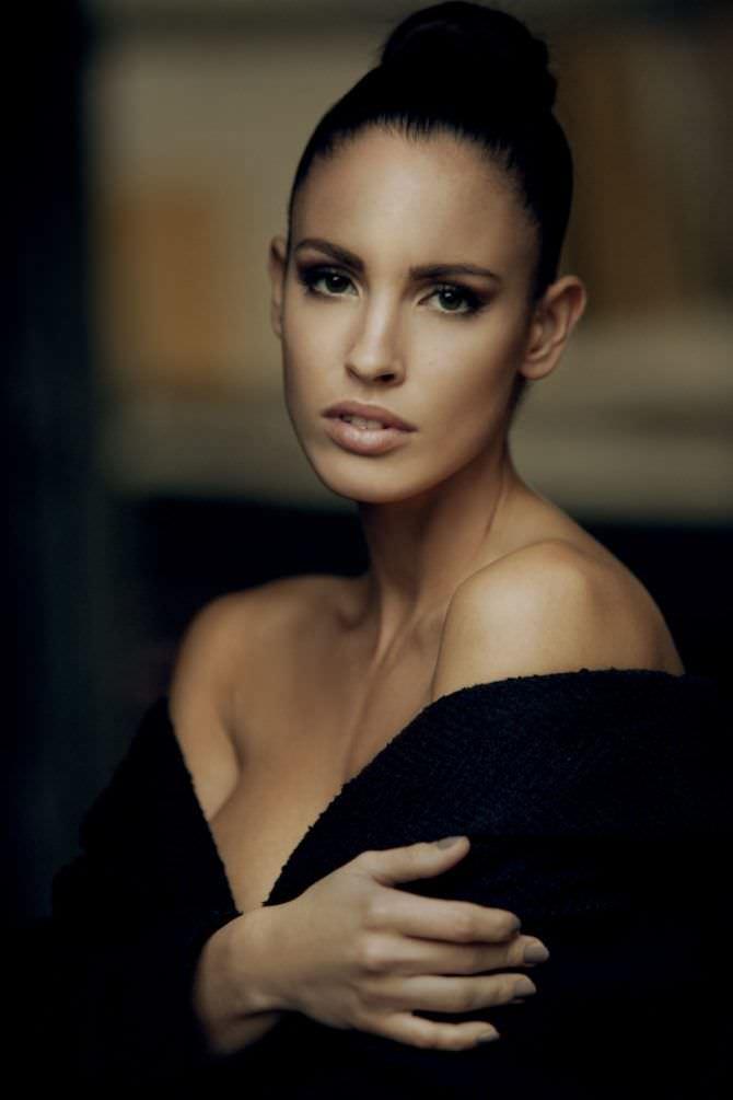 Люсия Яворчекова фотография в чёрной кофте
