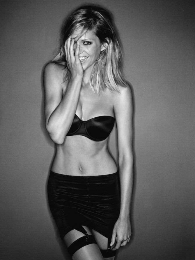 Триша Хелфер фотография из журнала в белье
