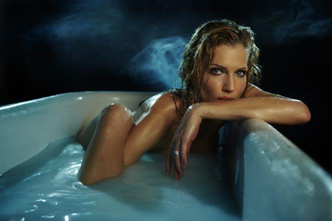 Триша Хелфер фотография с мокрыми волосами
