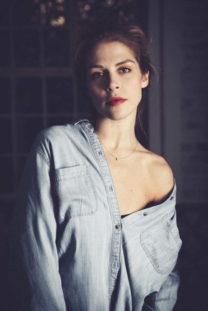 Мария Зыкова фото в джинсовой рубашке