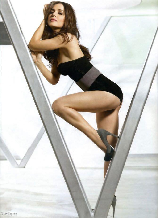 Элиза Душку фотография в купальнике из журнала