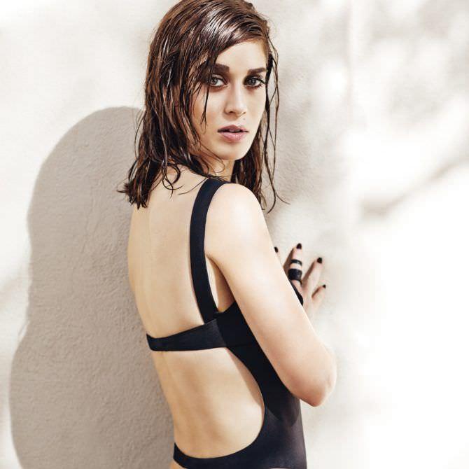Лиззи Каплан фотография с мокрыми волосами