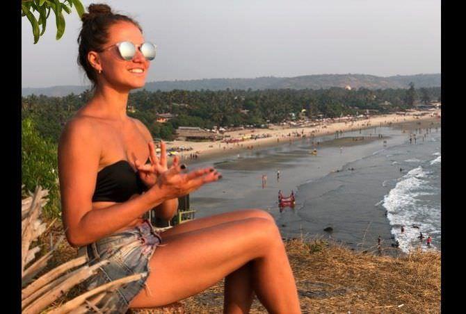 Евгения Громова фотография на пляже в купальнике