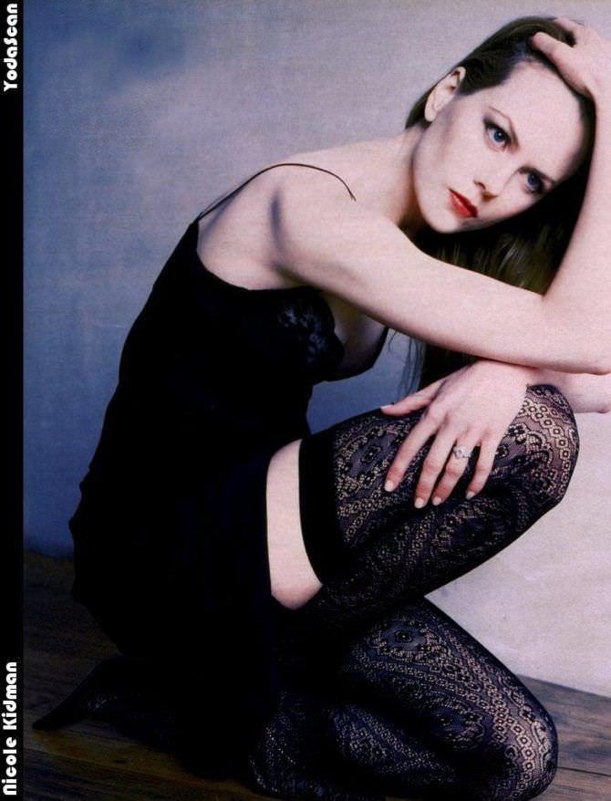 Николь Кидман фото в чёрных чулках
