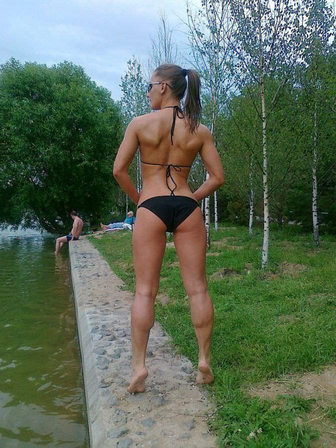 Александра Албу фото в бикини со спины