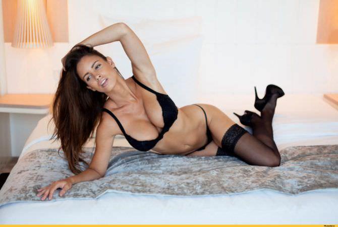 Люсия Яворчекова фотография в чёрном нижнем белье