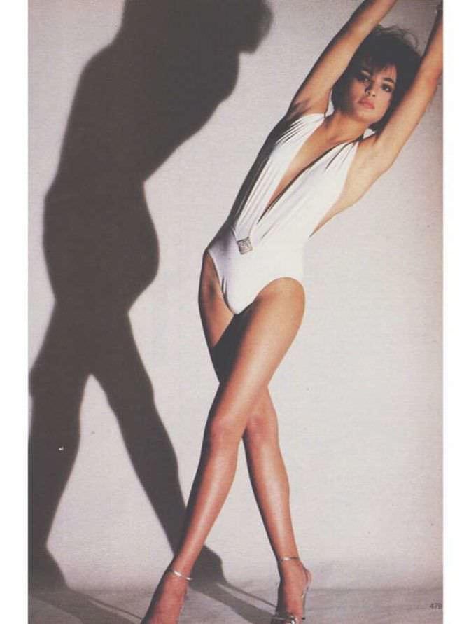Талиса Сото фотосессия в белом купальнике