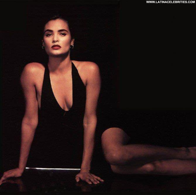 Талиса Сото фотография в чёрном платье