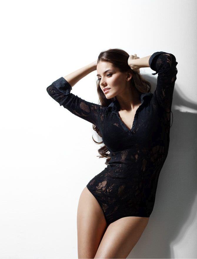 Татьяна Высоцкая фотография в красивом боди
