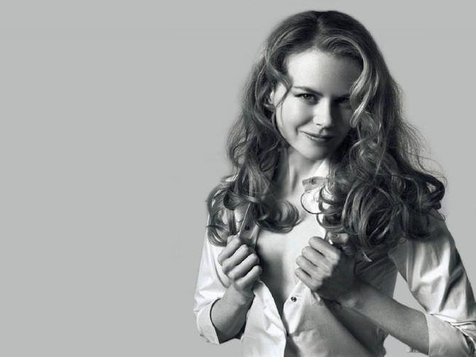 Николь Кидман фотография в расстёгнутой рубашке
